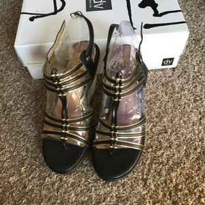 New Dolce Vita Tenley Black & Gold Wedges size 8.5